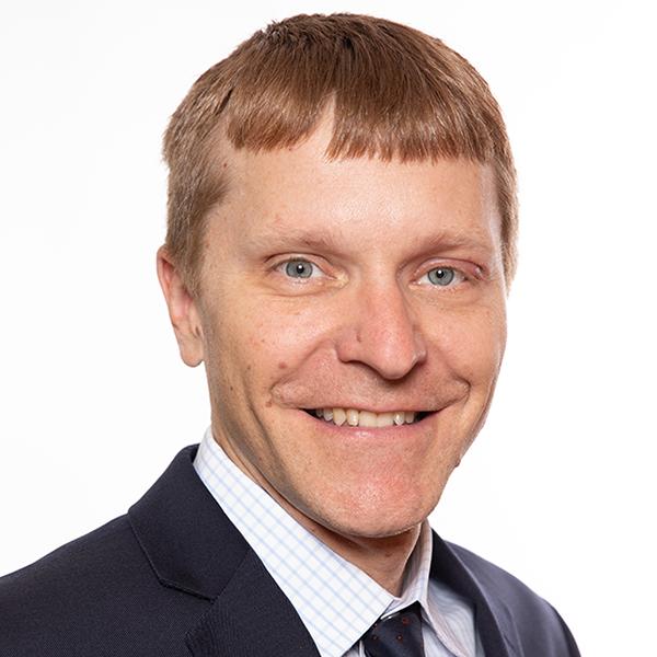 Chris Zuehlsdorff headshot